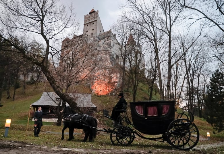 Halifax Pair Survives Terrifying Night In Draculas Castle In - Live-bran-castle-pictures