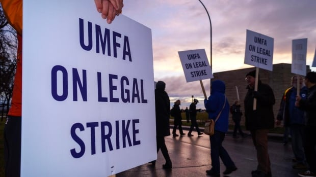 The University of Manitoba Faculty Association says the University of Manitoba's administration engaged in unfair labour practices.