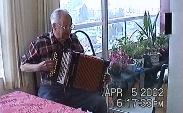 Emil Gustafson accordion