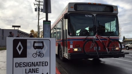 Victoria bus lanes delayed by rising construction costs