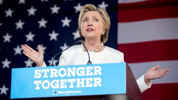 Democratic presidential candidate Hillary Clinton is still leading in the swing states, but her margin nationwide has dropped to under two points.
