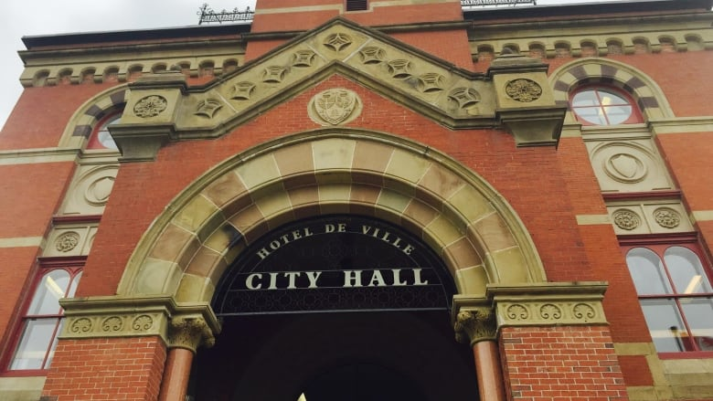 Report recommends hefty pay hikes for Fredericton city council