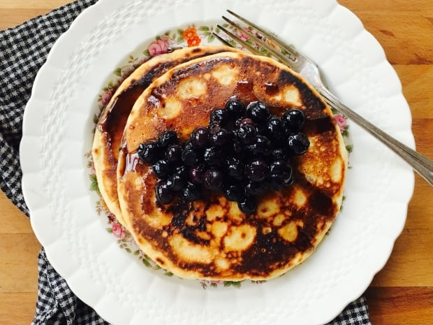 Berry maple syrup