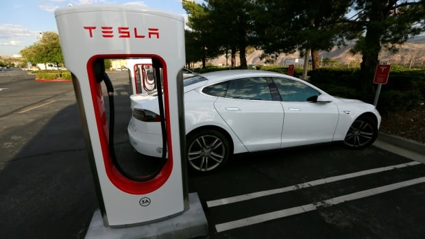 Tesla To End Unlimited Free Use Of Supercharging Stations - Tesla canadian maps for us car