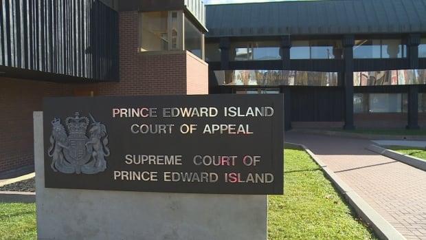 The P.E.I. Supreme Court administration co-ordinates appointments for the pro bono summary legal advice clinic.