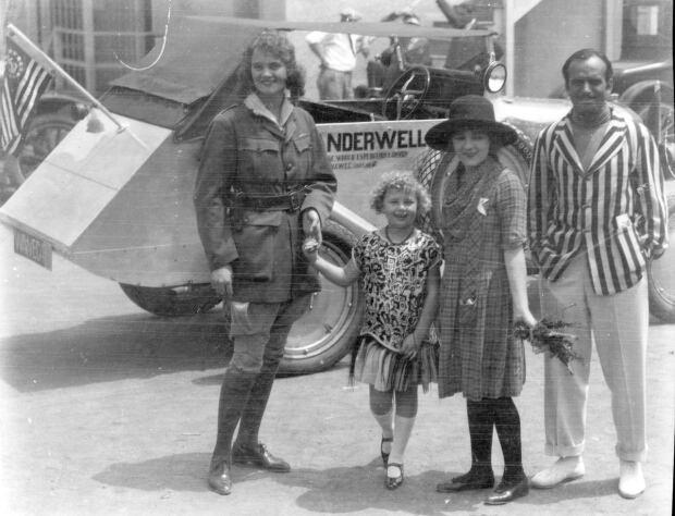 Aloha Wanderwell with Mary Pickford and Douglas Fairbanks