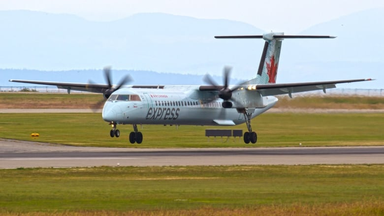 Air Canada's reduced service to Sept-Îles leaves residents feeling held hostage