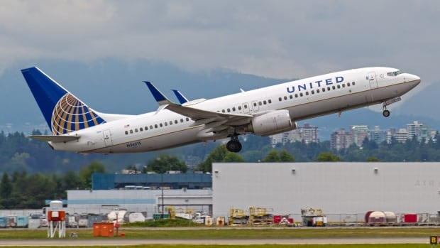 United pledges to review policies on removal of passengers