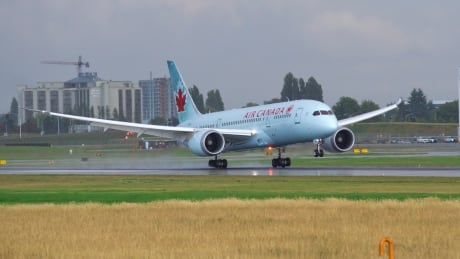 Engine smoke forces Shanghai flight to make emergency landing in Montreal