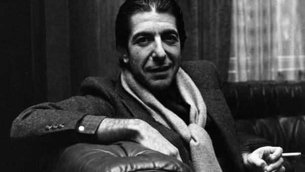 Singer-songwriter Leonard Cohen dead at 82