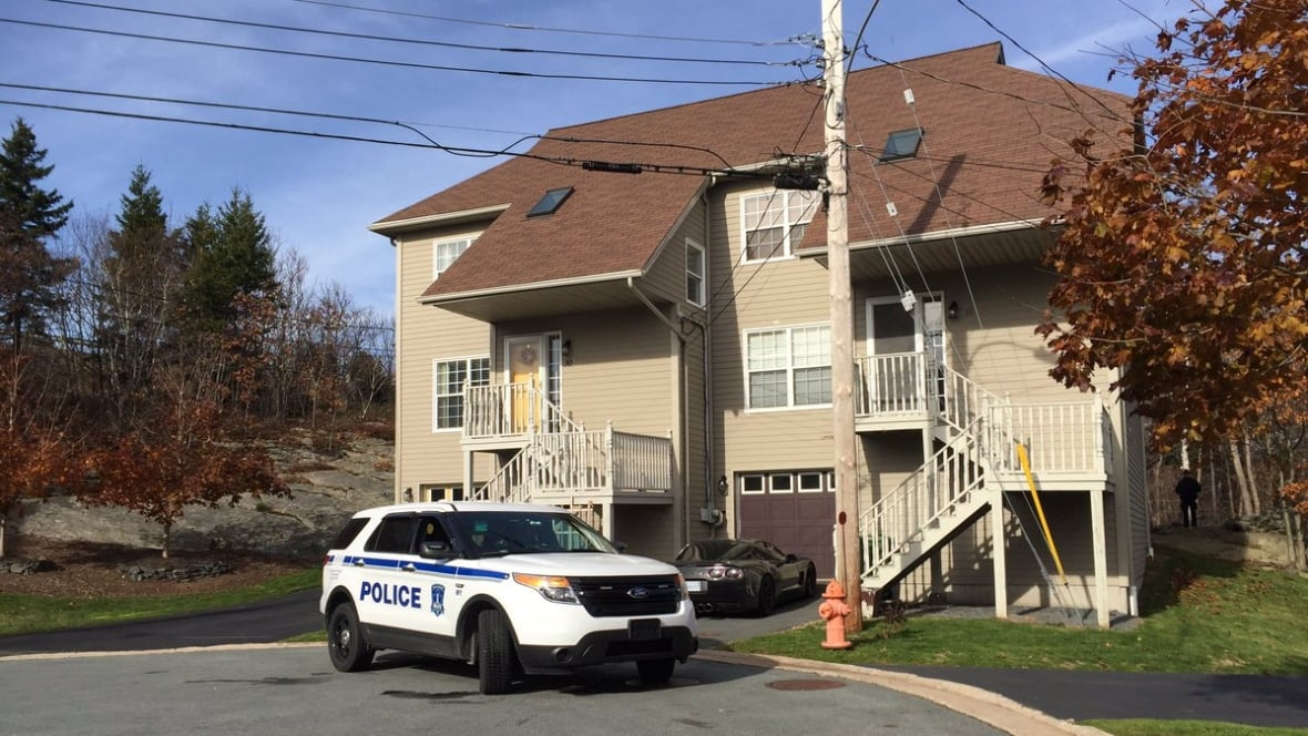 Bedford shooting victim facing weapons charges - Nova Scotia ... - CBC.ca