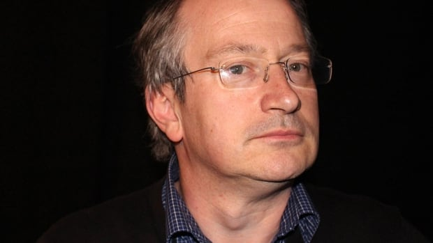 Robin Ince missed a gig with Chris Hadfield after failing to get a new eTA.