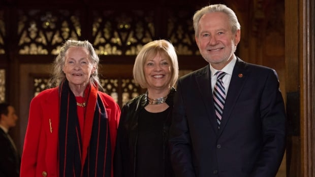 New Brunswick Senator Nancy Hartling, centre, stands with senators Peter Harder and Elaine McCoy before being sworn in back in November. The Independent Senators Group, which McCoy leads, has been given a budget of $722,000.