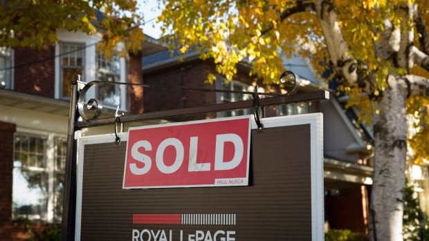 Toronto home prices soar 33.2% in March to kick off spring homebuying season