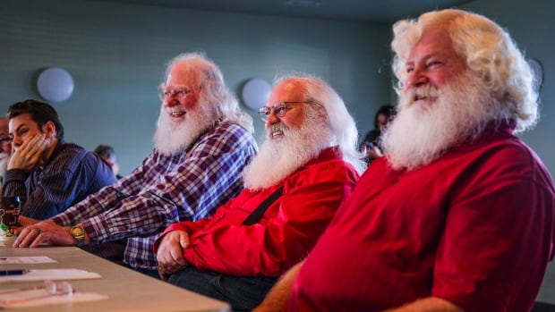 Mall Santa loses job for telling girl Hillary Clinton on naughty list