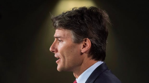 Vancouver Mayor Gregor Robertson will lead a group of big city Canadian mayors as they meet with federal ministers to discuss the opioid crisis in their cities.