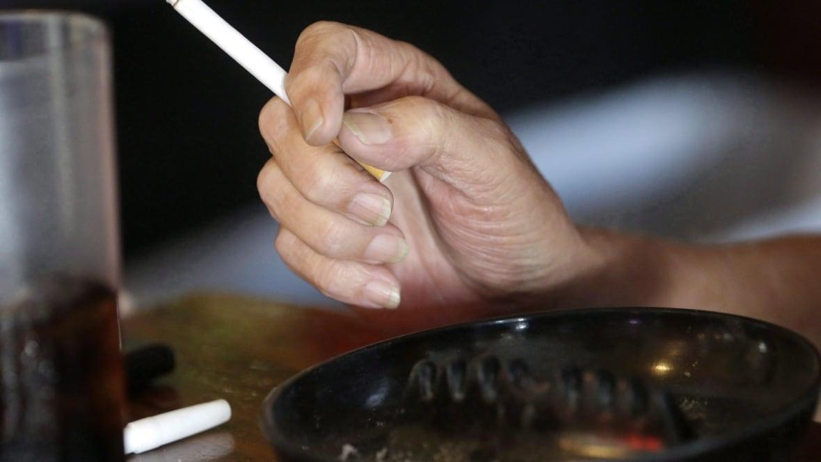 B.C. to consider raising smoking age to 21