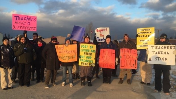 Allan Ross says teachers were left with no choice but to go on strike after several failed meetings with the chief and council in Pimicikamak.