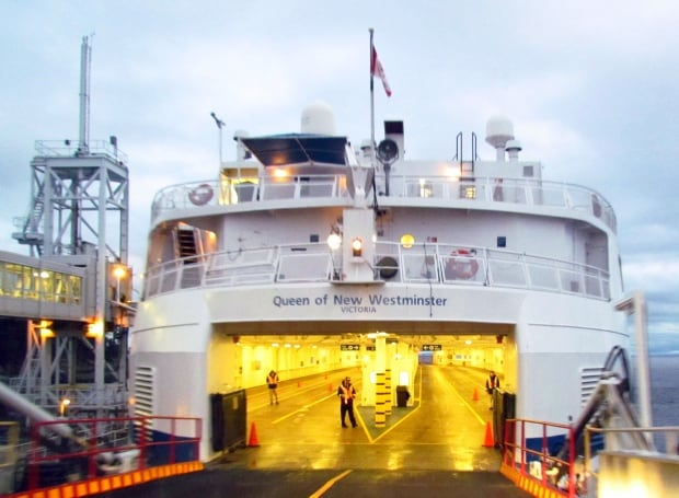 21 passengers spend night on BC Ferries vessel after winds prevent docking