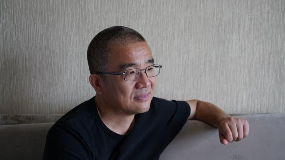 Best-selling Chinese author Xue Yiwei lives quietly in Montreal. The first of his books to be translated into English was published this fall by Linda Leith Publishing.