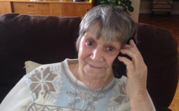 Agnes Thomson Fongo cellphone