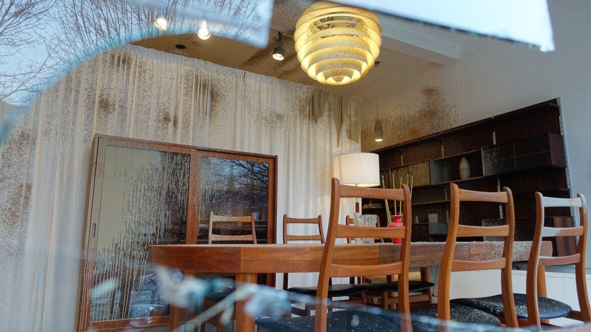 Vandals Break Windows Spray Paint Inside Hochelaga Maisonneuve Businesses