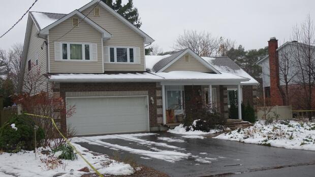 Police investigate double homicide in Ottawa, man in custody in Montreal