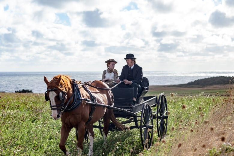 Amybeth Mcnulty As Anne And R H Thompson As Matthew