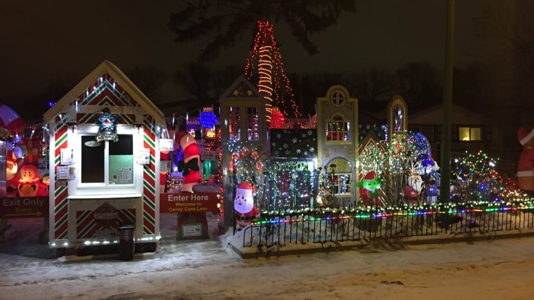 Take This Clark Griswold Candy Cane Lane Brighter Than Ever CBC News Amazing Candy Cane House Decorations