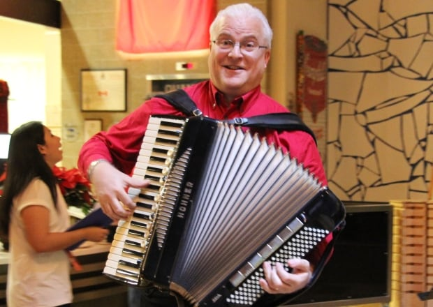 Rick Guzik accordion Sounds of the Season