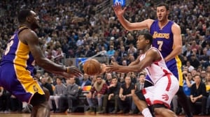 Lowry easily leads Raptors blow-out over Lakers