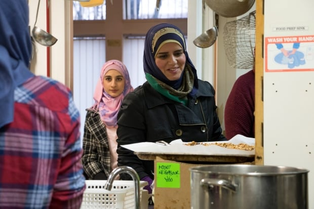 Asmaa Qawas Syrian refugee women Mount Pleasant Neighbourhood house dinner