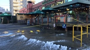 Vancouver crews fix water main after Robson Street flood
