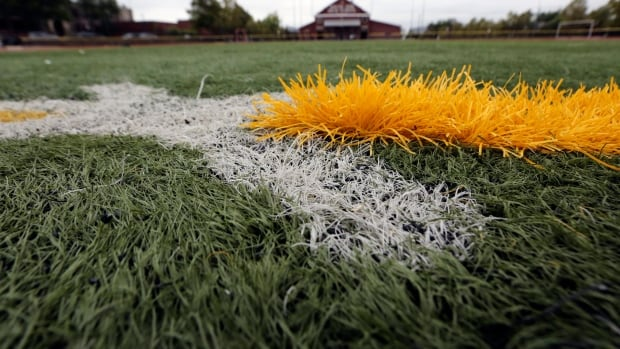 FieldTurf sold fields to towns, schools and teams nationwide after its executives knew they were falling apart faster than expected.