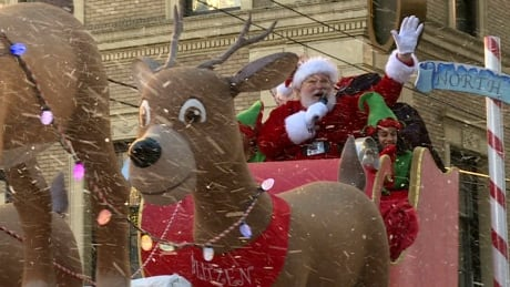 Vancouver's Santa Claus Parade kicks off at noon, road closures in effect