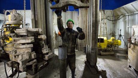RUSSIA BASHNEFT OIL