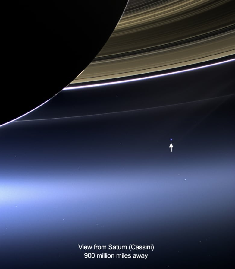 Cassini sends back 1st images from new orbit around Saturn