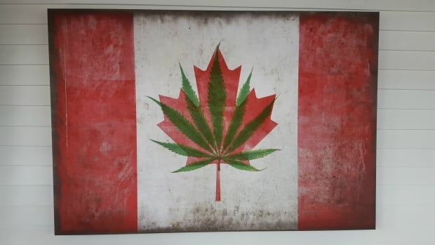 338 maple pot leaf