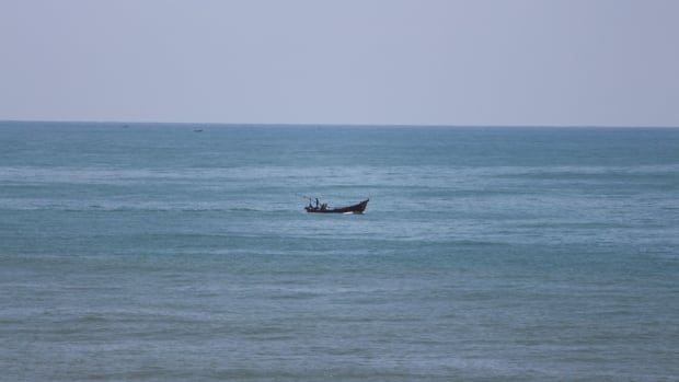 boat in bay of bengal