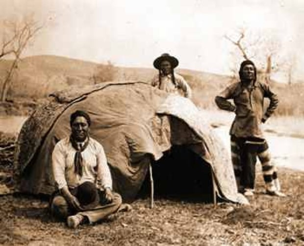the role and importance of sweat lodges in native american life