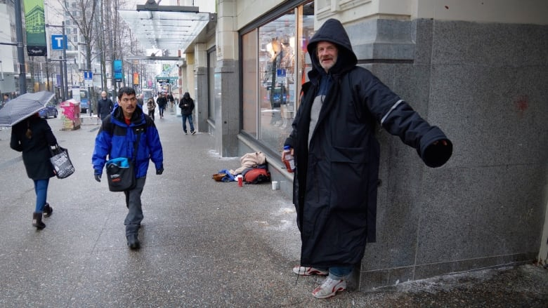 How To Dress For Winter Weather In Vancouver Cbc News