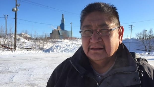 Shoal Lake 40 Chief Erwin Redsky will meet with representatives from federal, provincial and municipal government in Winnipeg on Monday to discuss Freedom Road.
