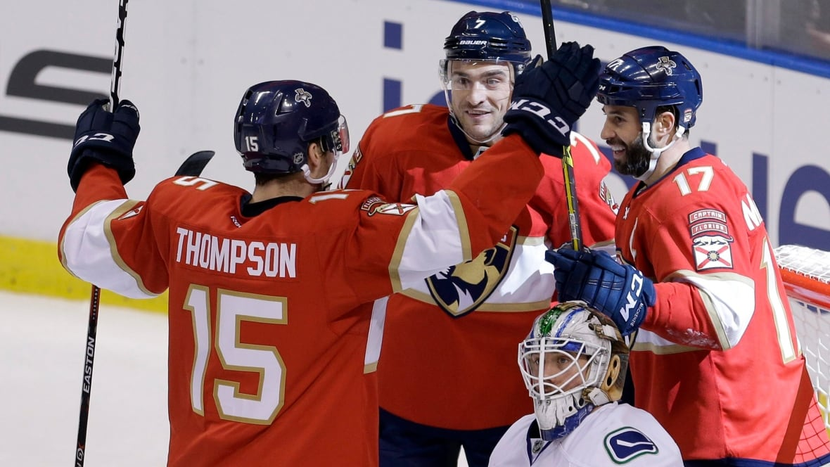 Canucks-panthers-hockey