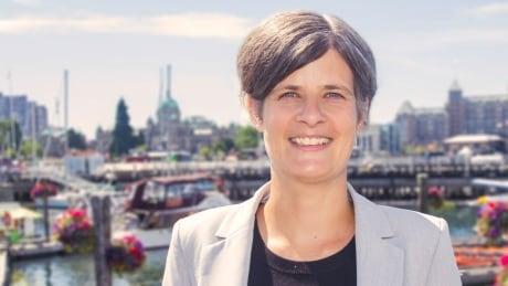 Victoria Mayor Lisa Helps