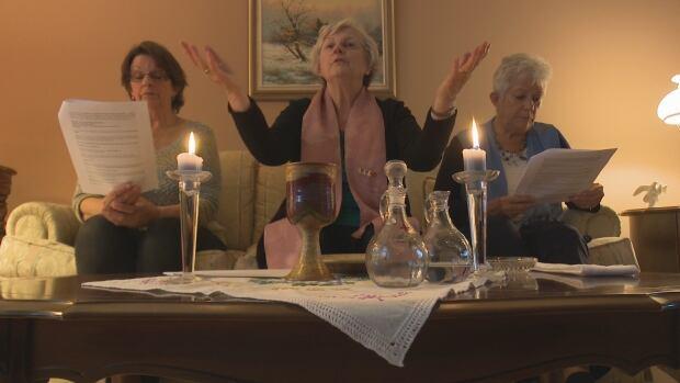 Marie Bouclin giving mass