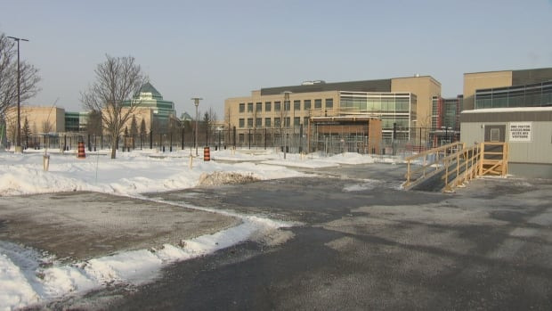 After multiple delays, Department of National Defence employees will begin moving into the former Nortel campus on Carling Avenue in early January, the department has confirmed.