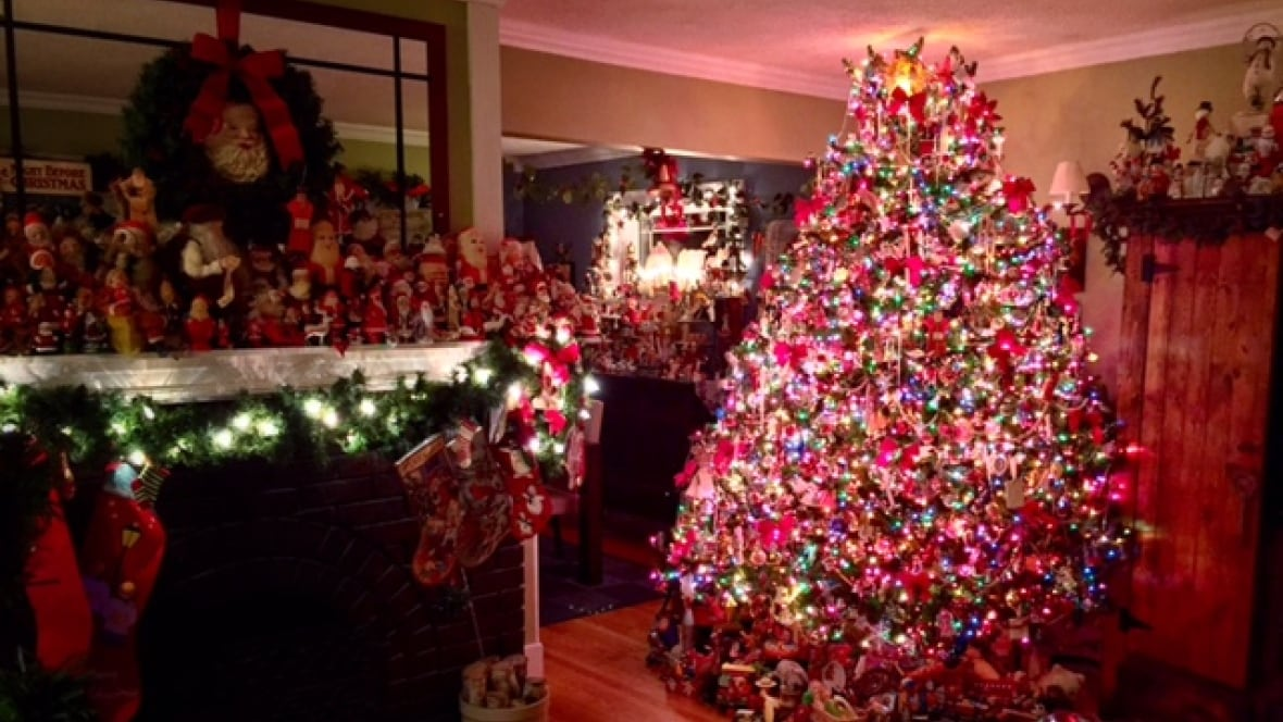 Christmas decorations take over regina man 39 s home for Home decorations canada