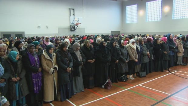 Hundreds of people attended the funeral service for Asma and Nasiba A-Noor on Sunday afternoon at the Jami Omar Mosque.