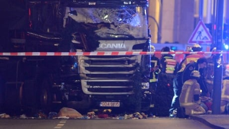 epaselect GERMANY BERLIN LORRY CRASHED INTO CHRISTMAS MARKET