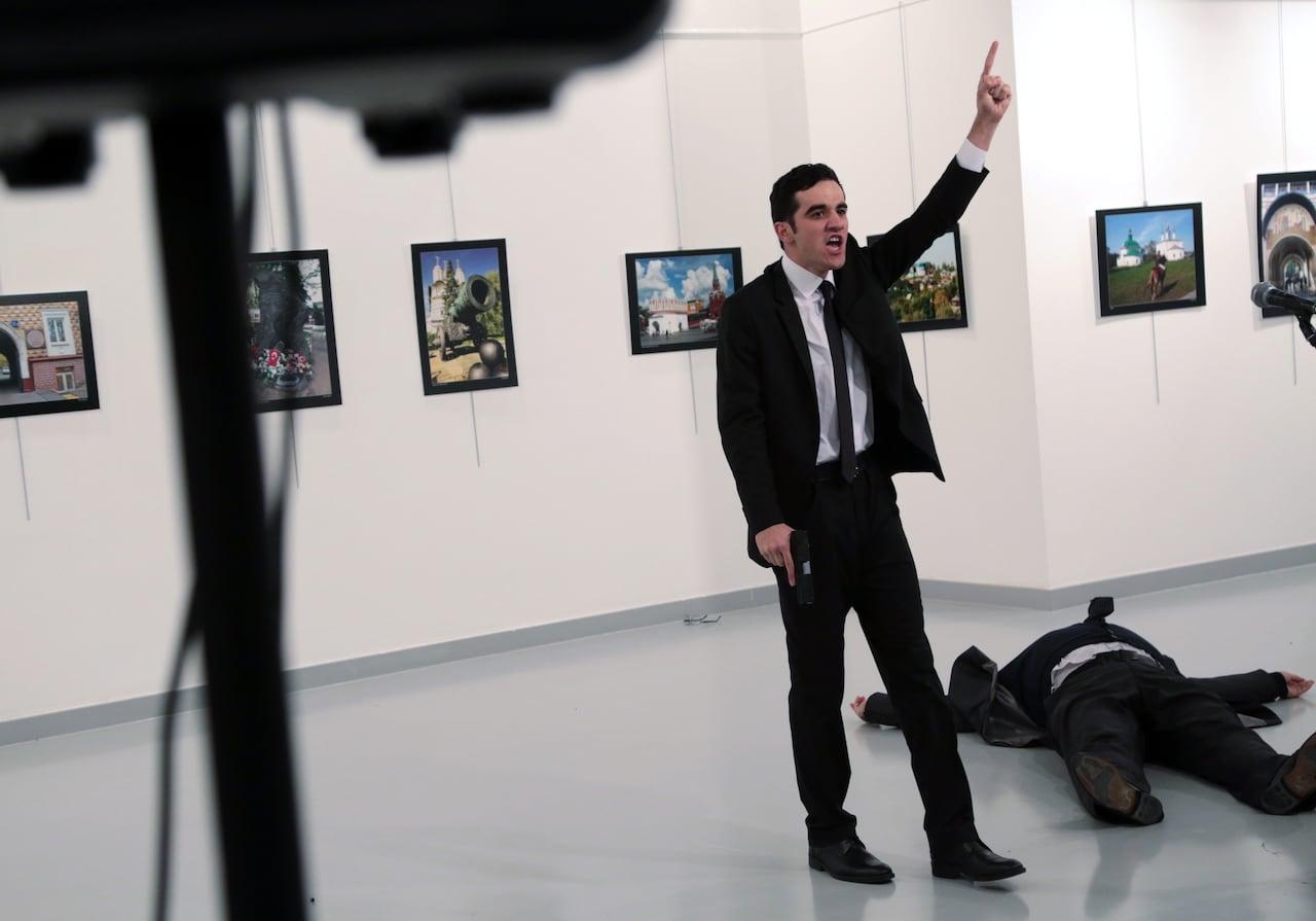 https://i.cbc.ca/1.3904512.1482200916!/cpImage/httpImage/turkey-russian-ambasador.jpg